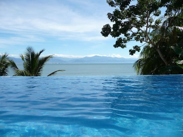 BIG Spring Discount!  Tropical Casa, Pool, Beach