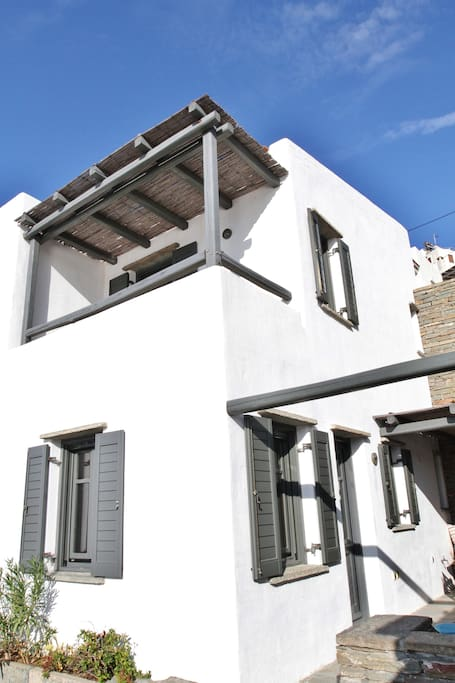 External view / White combined with stone make with ideal Cycladic style