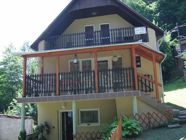 Gyöngyi vendégház