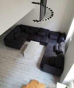 Appartement atypique bien situé et calme