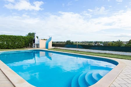 4 Bedroom Villa with Pool - 5 mins to the beach-JA - Olhos de Água