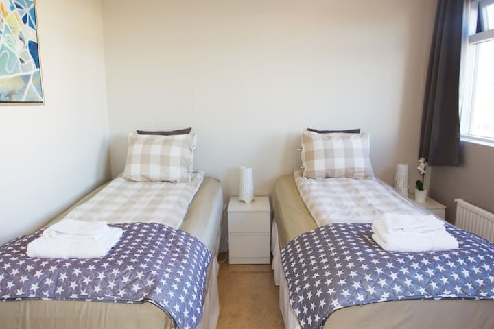 Private TWIN Room Guesthouse Álfar