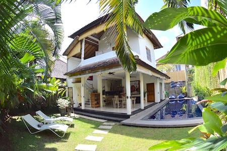2Bdroom Villa - Seminyak Square - Badung - Casa