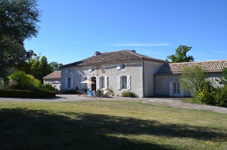Grande propriété familiale située en Midi-Pyrénées