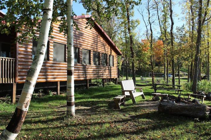Reunion style lake cabin on Big Turtle Lake