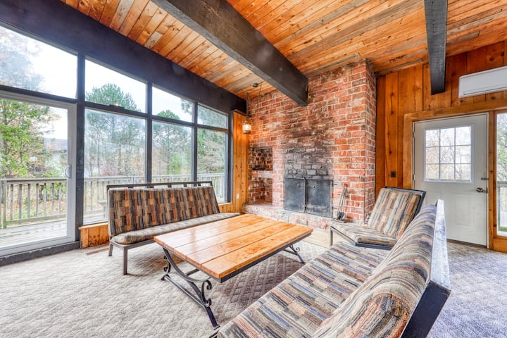 Large rustic chalet w/ a full kitchen, furnished deck, Ping-Pong, & a dry sauna