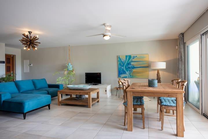 Luxury 2 bedroom Seaview Villa - Coral Garden