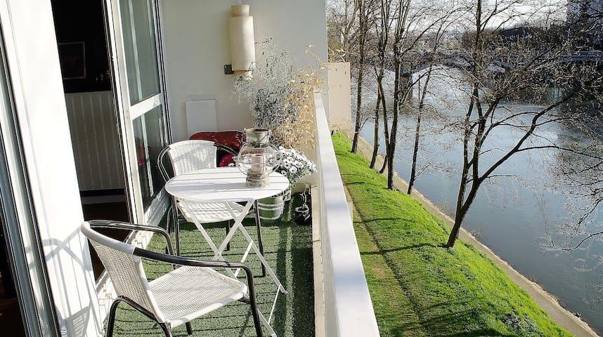 80m2 avec balcon vue sur Seine, 15mn de Paris - L'Île-Saint-Denis - Appartement