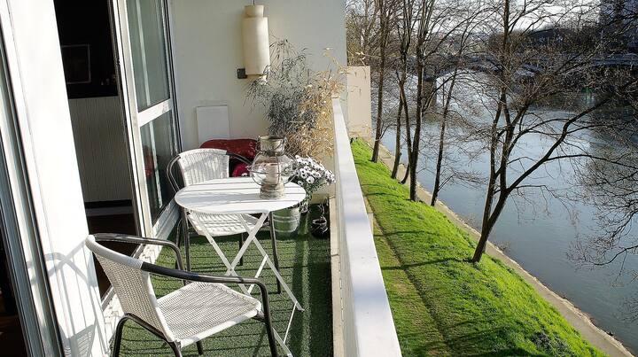 80m2 avec balcon vue sur Seine, 15mn de Paris