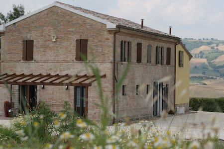 Bed & Breakfast  - Ca' del cardo - Staffolo