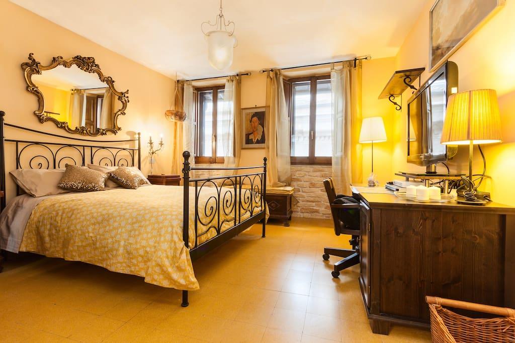Pettinarihome 2 Campo dei Fiori - Apartments for Rent in ...
