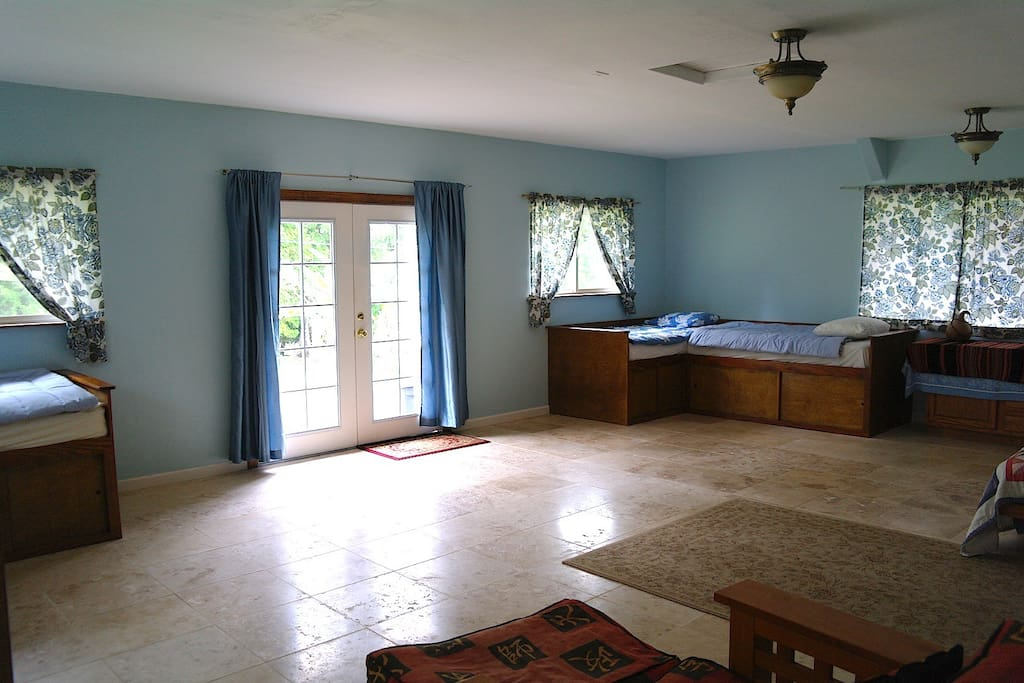 Large Living Room Travertine Floors