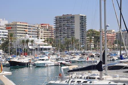 NICE APT.-FIRST LINE BEACH-CENTER - Marbella - Appartamento