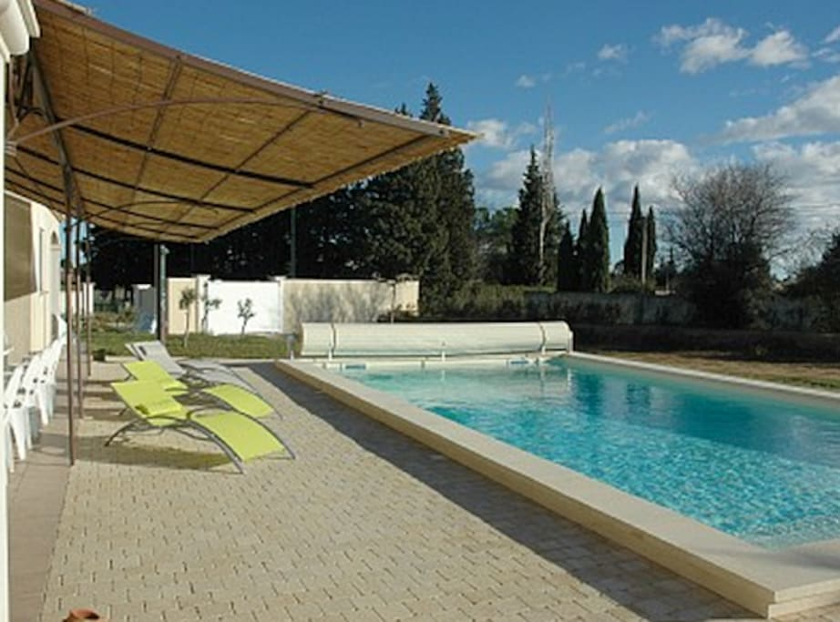 Villa piscine 10 15 pers 18 pers 2 toits poss houses for Villa piscine france