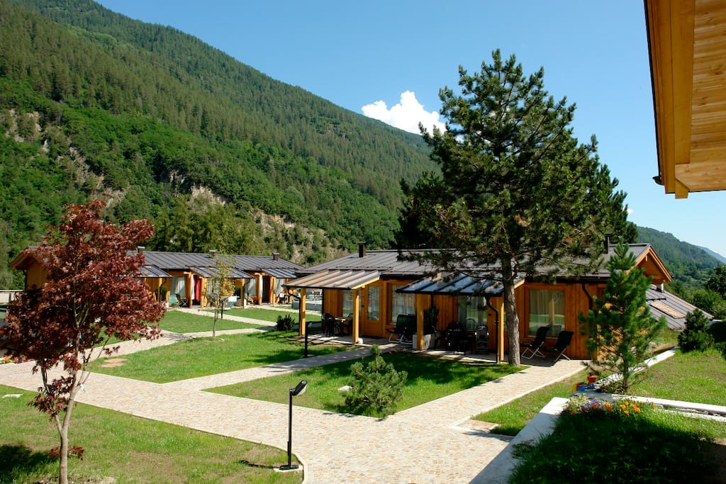 Dolomiti Wellness Resort - Bungalow Chalet - Summer view - visione estiva