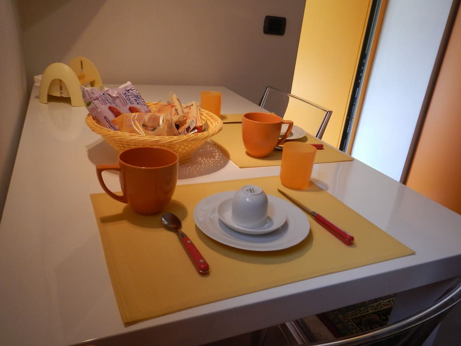 Tutto sempre pronto per la colazione - Everything always ready for breakfast