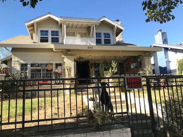 Eclectic Craftsman home, Prime location in L.A.