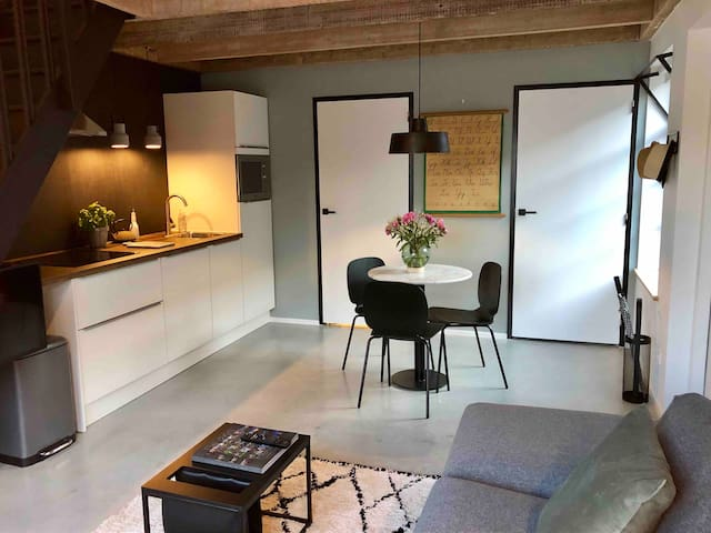 Appartement in oude school voor twee personen