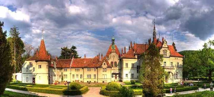 Апартаменти біля графського замку в Закарпатті