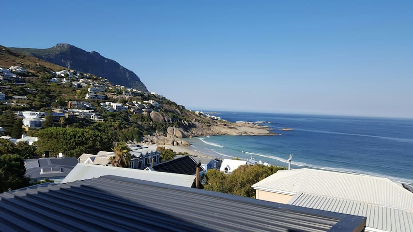 Llandudno beach home away from home - Kaapstad - Appartement