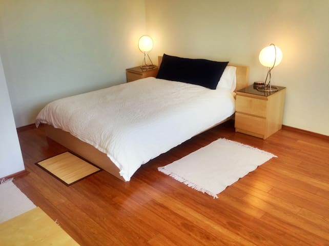 Quality Cozy Studio Next to Subway - Queens - Apartment