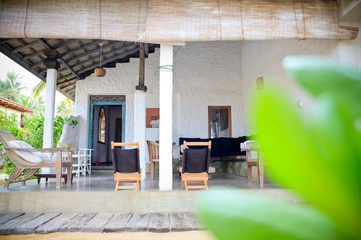Coco-Mari Beach Villa- Hikkaduwa - Hikkaduwa - Villa
