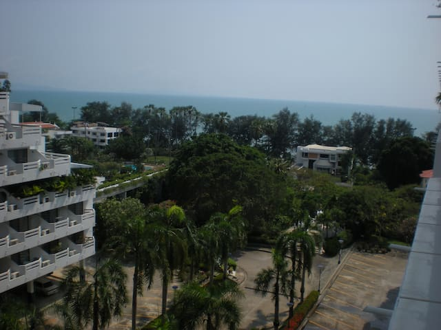 Seaview condo on Dongtan beach - Bang Lamung - Condominio