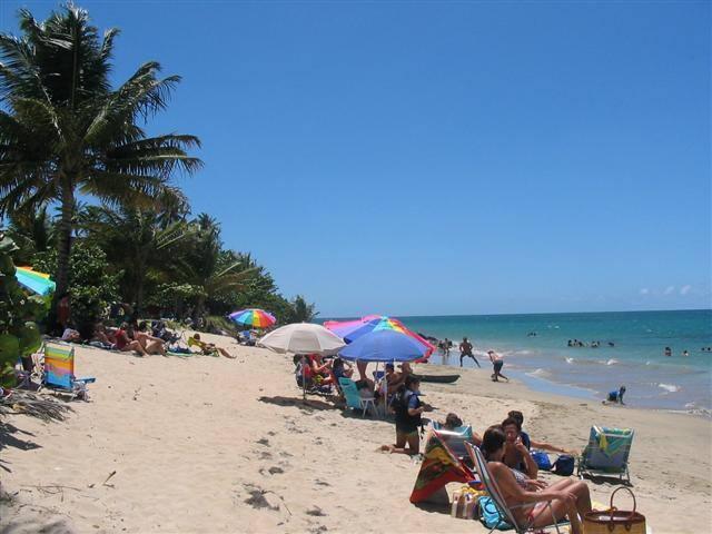 Sunny oceanfront vacation condo San Juan vicinity - Loíza - Apartment