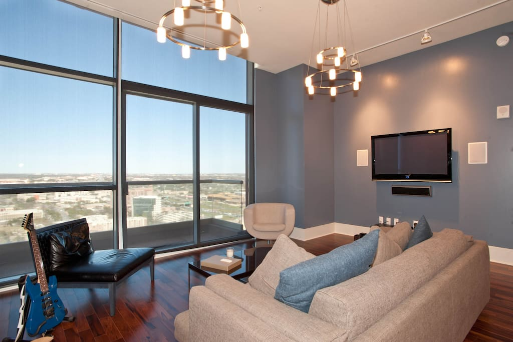 Austin Sky Suite - Downtown Luxury