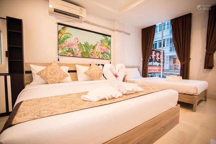 酒店高级家庭房房间
