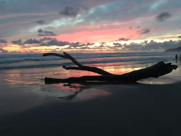 Depto en PB a pasos de la playa, junto al Mayan