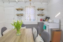 Beautiful 1900s cottage totally renovated to high standard.  Offering serenity and calm within walking distance of beautiful Plum Island beaches.