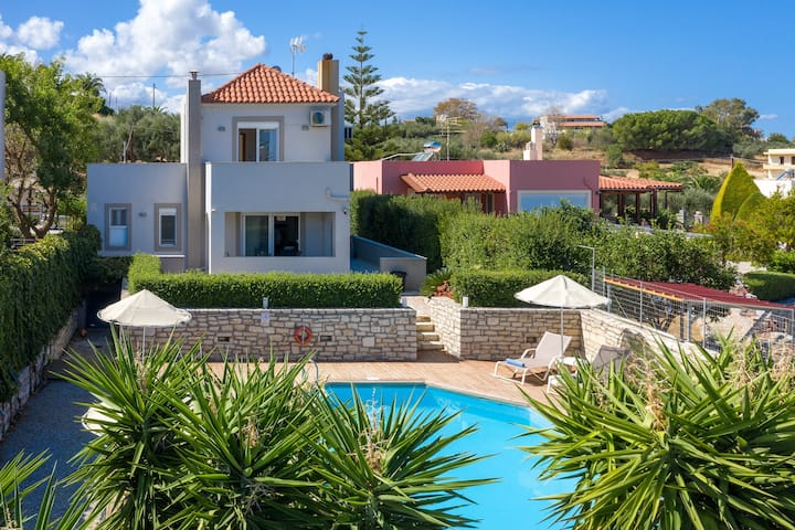 Modern villa,Private pool,Near Rethymno town