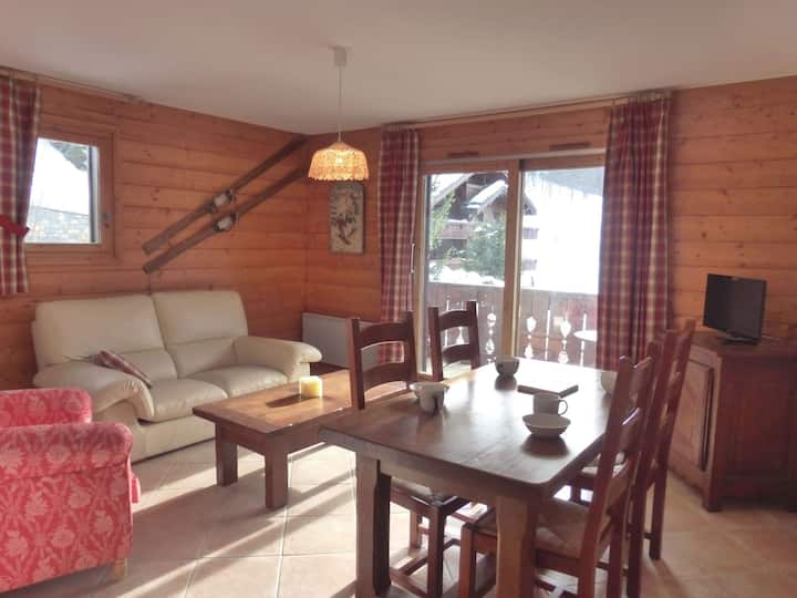 Comfortable 3 rooms apartment for 5 guests in 50 m from the slopes