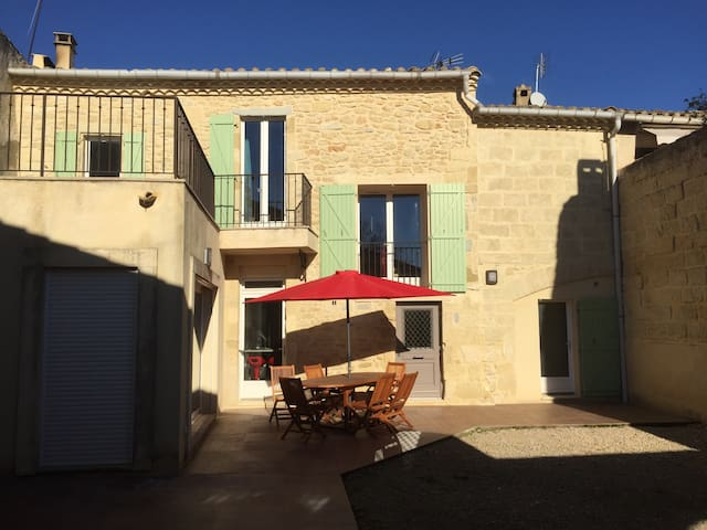 Traditional house close to sea, Nimes, Montpellier - Gallargues-le-Montueux - Hus