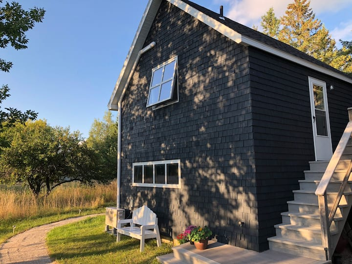 Peaceful Studio Loft on Outskirts of Sister Bay