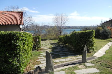 cottage  sul  lago con agriturismo - Eupilio, COMO