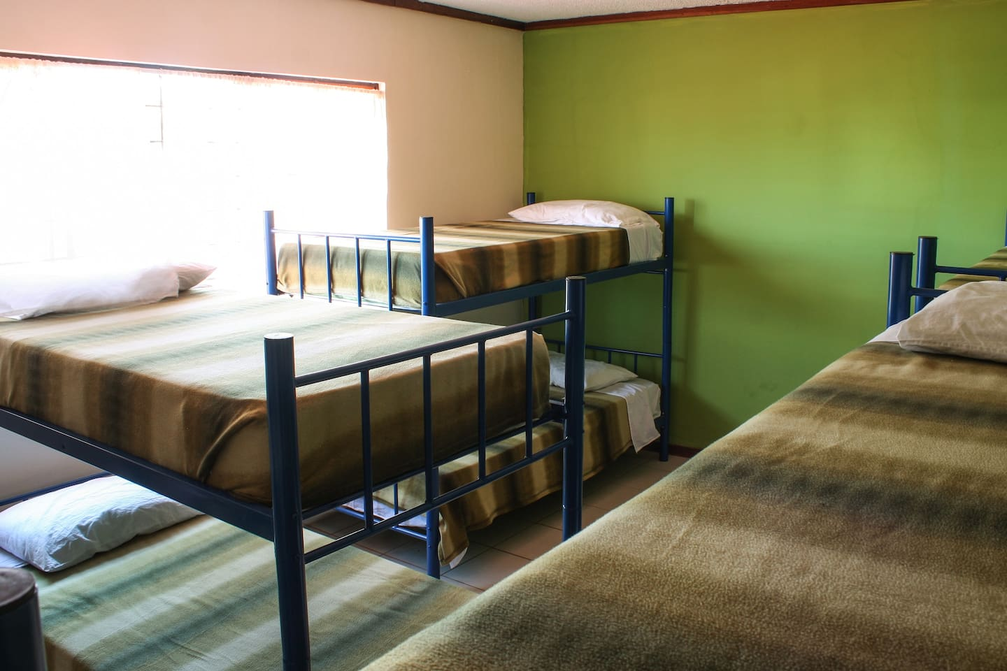 Nomadas backpackers Dorm