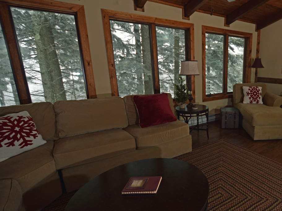Park on one side, ski on the other. Free WiFi, free Long Distance.