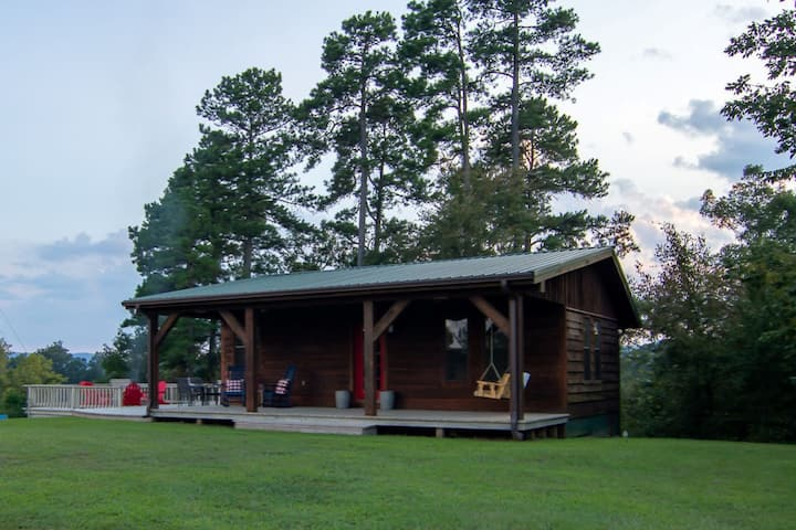 """""""The Little Cabin"""" north of Broken Bow"""