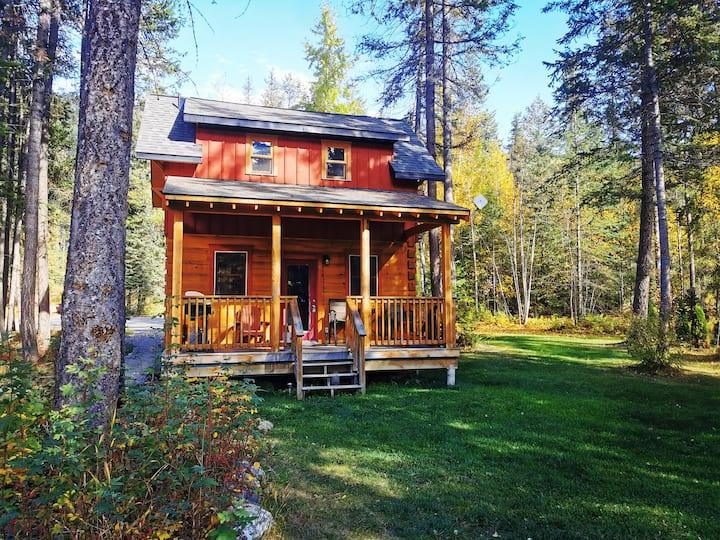 Wild Wood Cabins: Deer Crossing