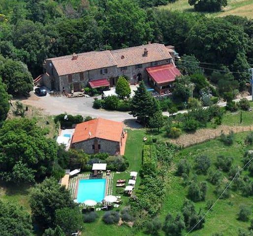 Enjoy Tuscany as the native do...
