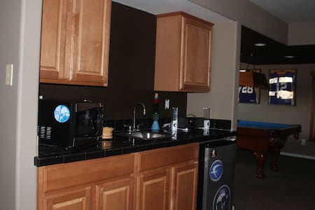 1 Bedroom Suite W/ Game Room & Kitchenette - Highlands Ranch