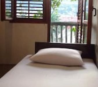 Beautiful town, rooms for rent - Sutomore - Apartment