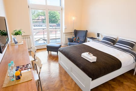 Beautiful New Studio Apt, Old Town - Cracovie