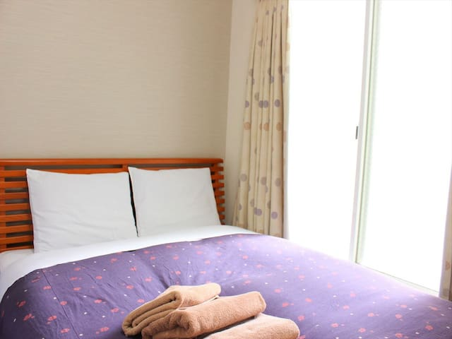 1 min from sta.  Family room with bath & toilet