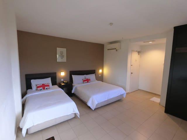 Simple Cozy Triple Room @Semabok Inn Melaka
