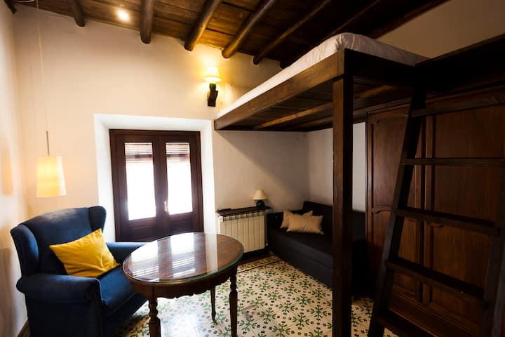 Casa del cantaor. Studio vistas jardín. WIFI