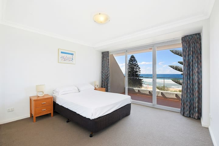 Ocean views spacious apartment with spa bath. - Manly - Huoneisto