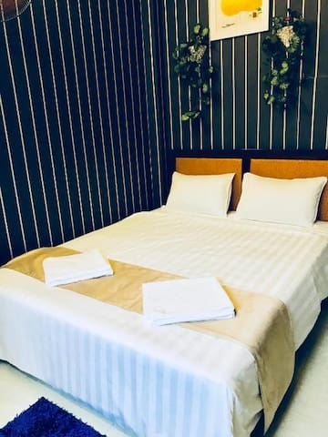 Deluxe Double Room in the center city Bui Vien st.